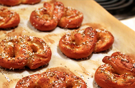 Biz2Credit helps Auntie Anne Pretzel Franchisee Untwist a Financial Knot